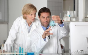 scientists-in-lab
